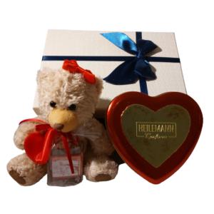 Teddy mit Herzdose